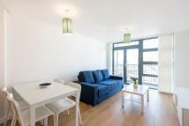 2 bedroom Apartment in Maltings Close, London...