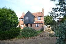Detached home in Vicarage Close...