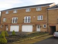 3 bedroom property to rent in Broadwell Drive, Shipley...