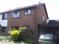 3 bedroom semi detached property to rent in Brookfield Close...