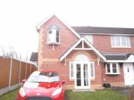3 bedroom semi detached property to rent in Mayfield Drive, Winsford...