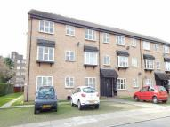 Flat to rent in Parish Gate Drive...
