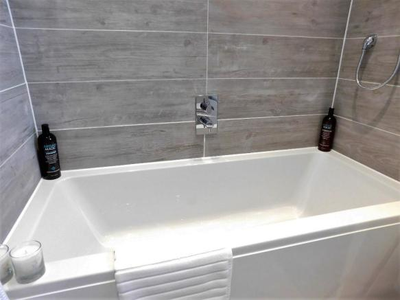 His n Her Bath