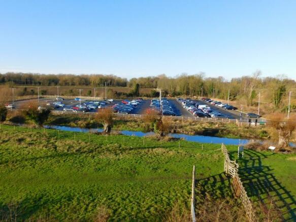 Arlesey stn carpark