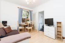2 bedroom Flat in Heythorp Street...