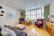 2 bedroom Flat in Earlsfield Road...