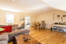 Flat to rent in Old York Road...
