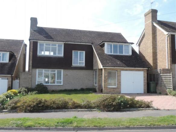 3 Bedroom Detached House For Sale In Hawkhurst Way