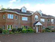 Penthouse to rent in Oakwood Place, Crowthorne