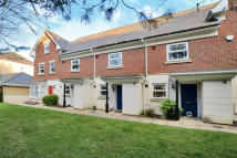 2 bed Terraced house in Stickle Down, Camberley