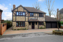 5 bedroom Detached house to rent in Heywood Drive, Bagshot