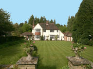 4 bedroom Detached property in Batt House Road...
