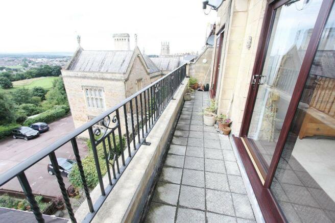 25 ft balcony