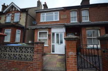 2 bedroom End of Terrace home to rent in Holly Road, Aldershot...