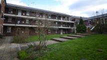 Flat to rent in Birchett Road, Aldershot...