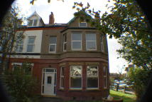 2 bed Ground Flat in Birkenhead Road, Meols...