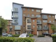2 bed Flat to rent in Sundeala Close, Sunbury...