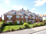 2 bed Apartment to rent in Kingsend, Ruislip, HA4
