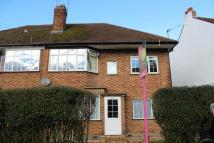 2 bed Maisonette in Manor Way, Ruislip, HA4