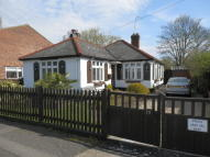 3 bed Detached Bungalow in Westcote Rise, Ruislip...