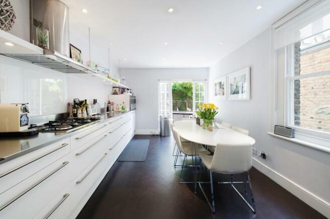 Kitchen (Main)