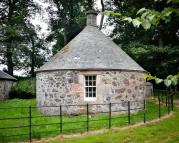 1 bed Cottage to rent in The Round House...