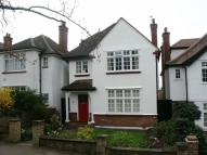 5 bed Detached home in Makepeace Avenue, London...