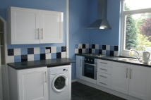 Terraced house to rent in Meanwood Road, Meanwood...