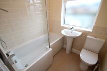 3 bedroom Terraced house in Davis Avenue, Gravesend...