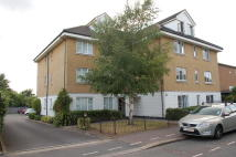 2 bed Flat to rent in Carlisle Road, Romford...