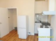 Studio apartment to rent in Station Road, Harlesden...