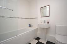 2 bed Flat to rent in Springfield Close...