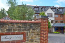 2 bed Penthouse in  Godalming, GU7