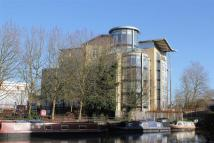 3 bed Penthouse in The Meridian, Reading