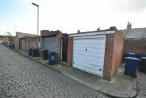 Garage in Rear Oakfield Terrace to rent