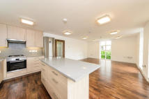 4 bedroom Apartment to rent in North Road, Brentford