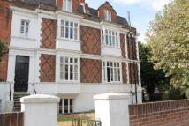 2 bed Flat in Vicarage Road...