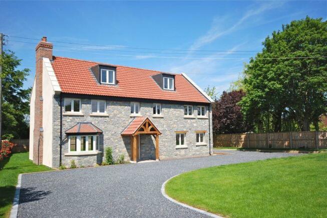 5 bedroom detached house for sale in havyatt between