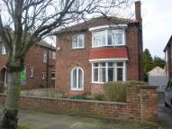 3 bedroom property to rent in Adcott Road...