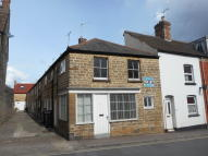 2 bed Cottage to rent in South Street, Crewkerne