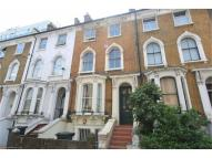 2 bedroom Flat in Stockwell Road, London