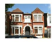 Flat to rent in Englewood Road, London