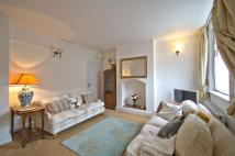 2 bed Cottage to rent in Glasshill Street, London...