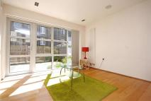 3 bed Apartment in Elizabeth Mews...