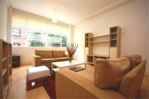 Flat to rent in Bluelion Place, London...