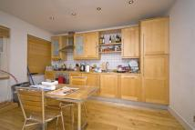 2 bedroom Apartment to rent in Whitechapel High Street...