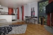 Flat to rent in Pentonville Road, London...