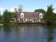 4 bedroom Detached property in Bracknell, Berkshire