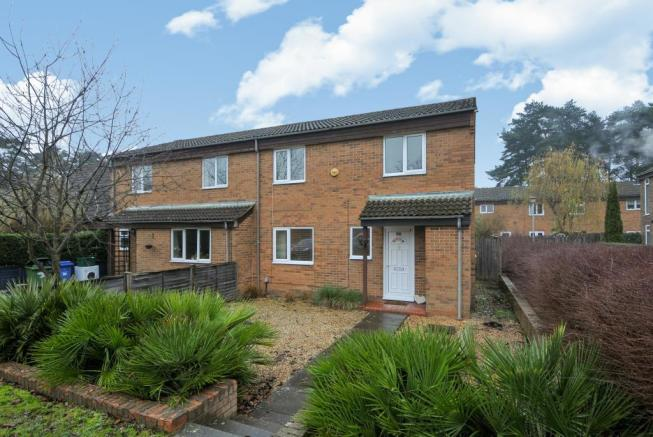 3 bedroom house for sale in bracknell berkshire rg12