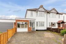 3 bedroom semi detached house to rent in Ashley Road, St Albans...